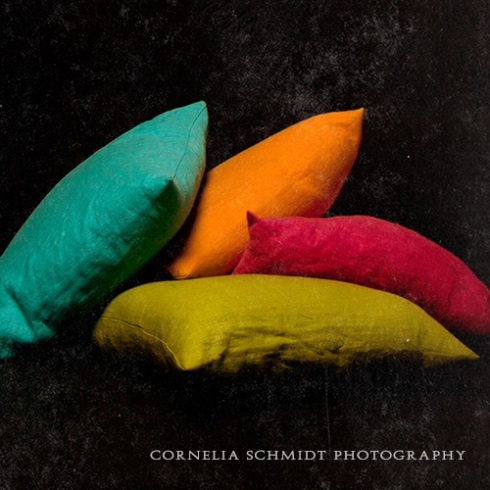 Teaser with pillows